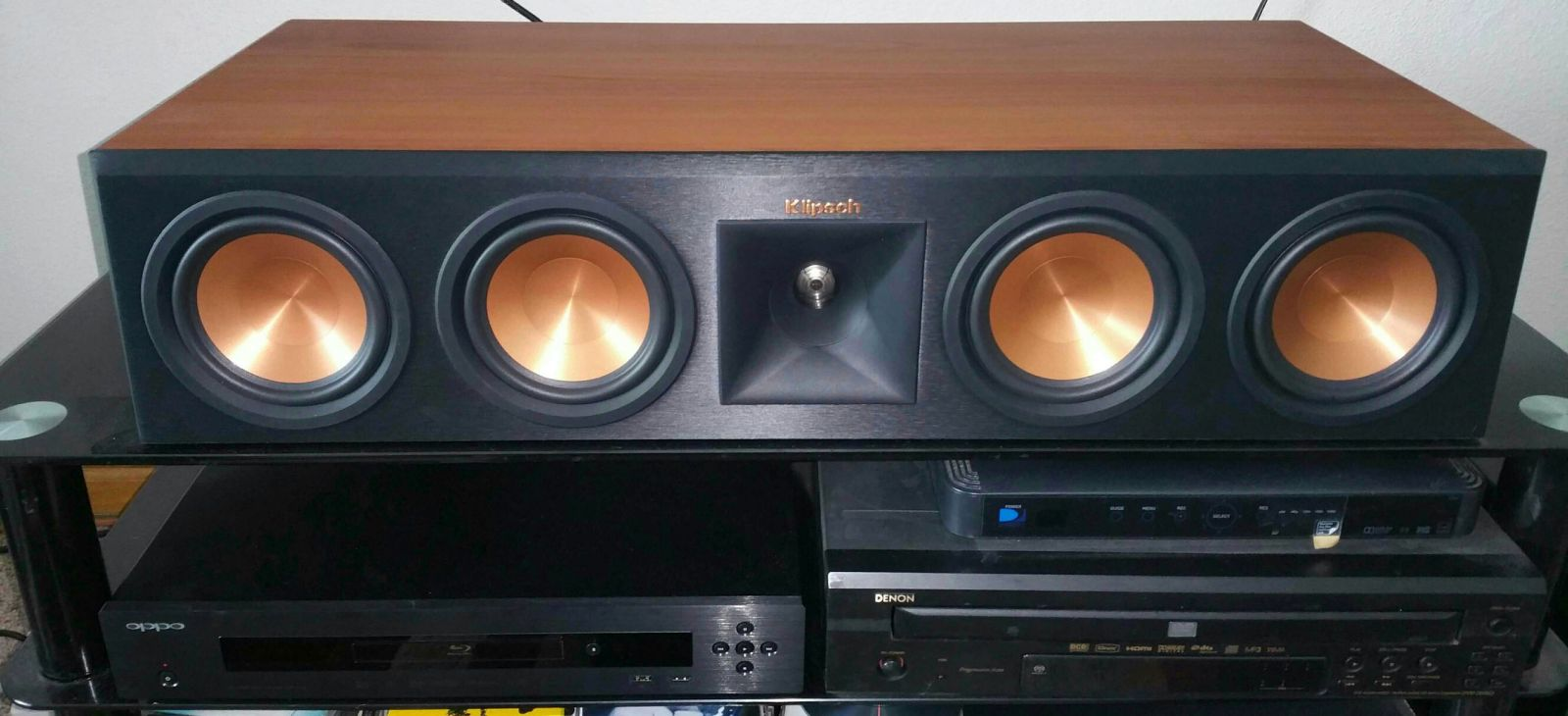 Can canh loa Klipsch RP-450C