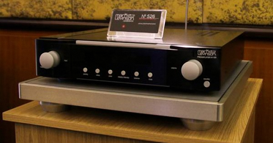 Pre-amplifier Mark Levinson No.526 thiet ke sang trong