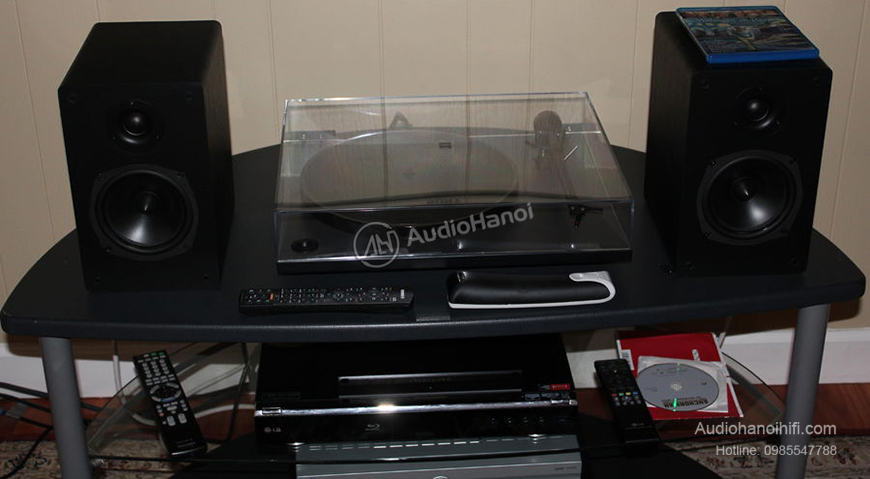 Turntable NAD C 556 chat luong